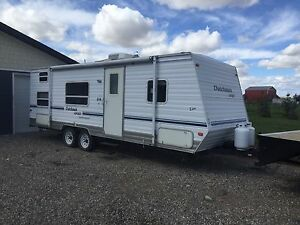 2004 Dutchman Sport 26 Foot Lite Holiday Trailer With Bunks
