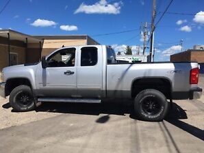 Only 86000 Kms 2500 Chevrolet 4X4 (gas)