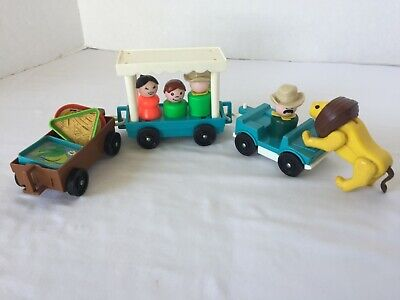 Vintage Fisher-Price Little People #916 Zoo Tram Circus Lion Zookeeper LP Whoops
