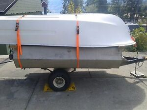 10 foot fibber glass boat with 1 -  mercury motor 1 - electric