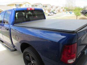 Tri fold tonneau Cover ram 1500 boite courte