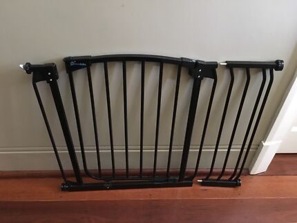 Dreambaby baby gate