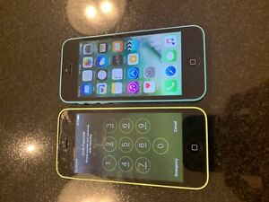 iPhone 5 c (unlocked) 8 gb