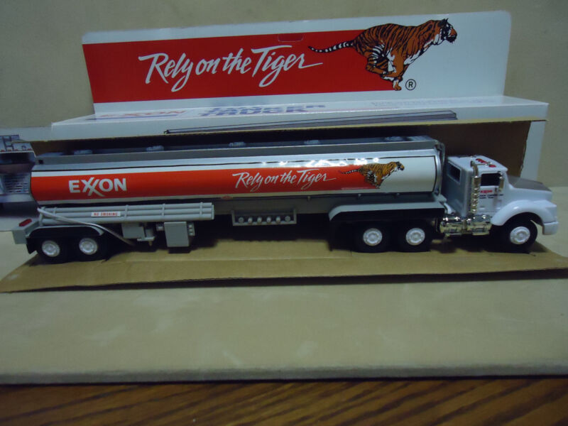 1992 EXXON 1ST EDITION Toy Tanker Truck MIB Rely on the Tiger LOOK
