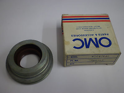 Evinrude Johnson Outboard 40 hp 1974 -76 83- 86 crankcase housing & seal 0386162