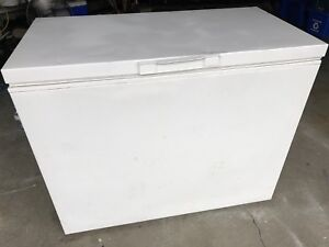 Whirlpool chest freezer 12 cu ft-can deliver