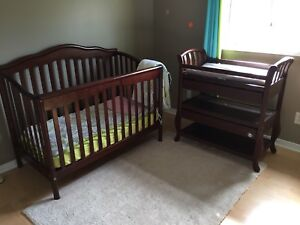 Pali conversion crib and change table OBO