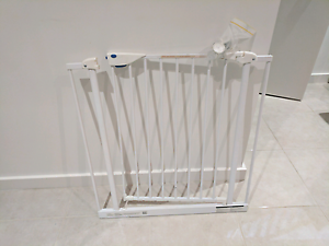 Baby gate :) Craigieburn Hume Area Preview
