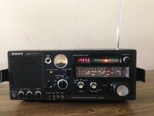 SONY FM/MW/SW 5Band Receiver Model No ICF-6700W, Excellent Condition.