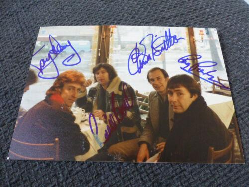 THE TROGGS Ronnie Bond & Reg Presley signed Autogramm auf 13x18 cm Foto InPerson