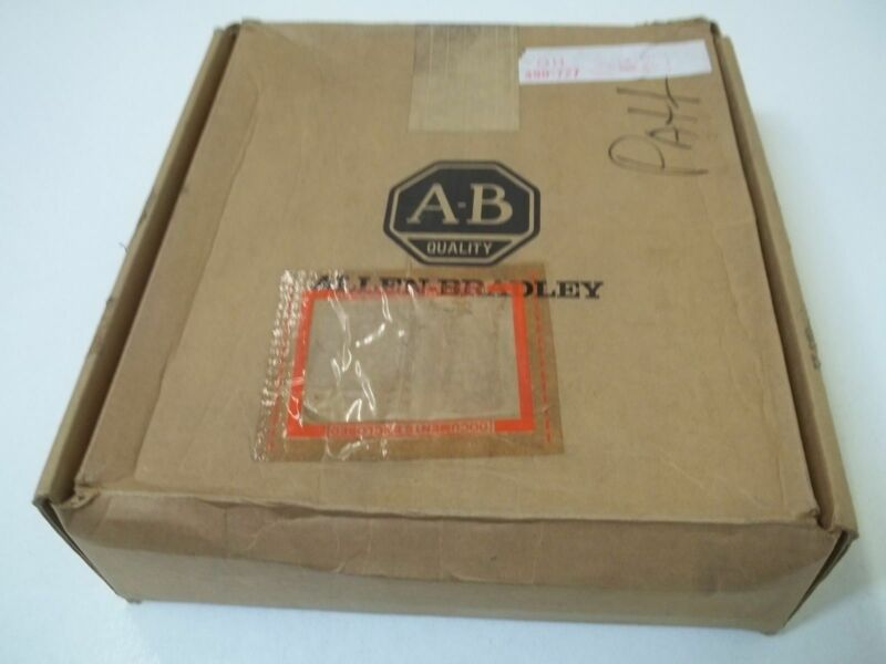 ALLEN BRADLEY 1772-SD2 REMOTE I/O SCANNER DISTRIBUTION PANEL *NEW IN BOX*