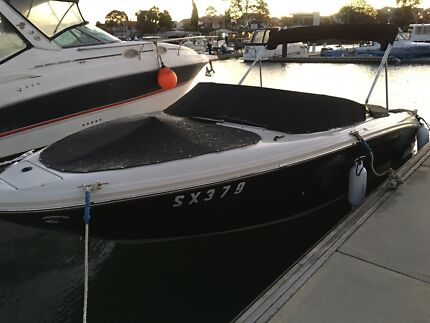 2007 sea ray sundancar 22 ft v8 300 hp