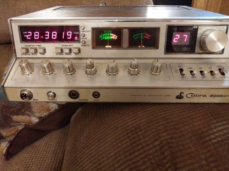 Cobra 2000gtl cb radio base station with external speaker and mic.