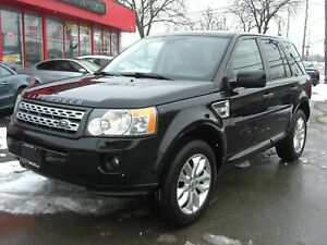 2011 Land Rover LR2 4WD *Sunroof / Leather* *CLEAN*