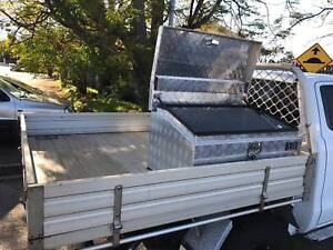 Ford Ranger tray with tool box