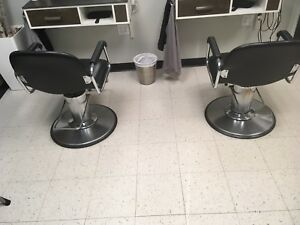 2 Chaises hydraulique coiffure