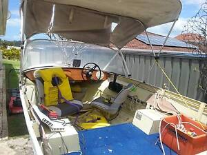 Front steer aluminum 14ft tinny. Runs great! Ready for christmas! Port Macquarie Port Macquarie City Preview