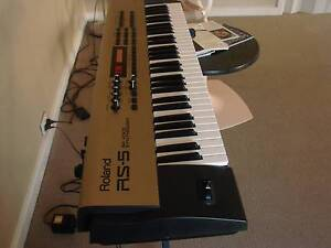 ROLAND   RS-5  SYNTHESIZER Albany Albany Area Preview