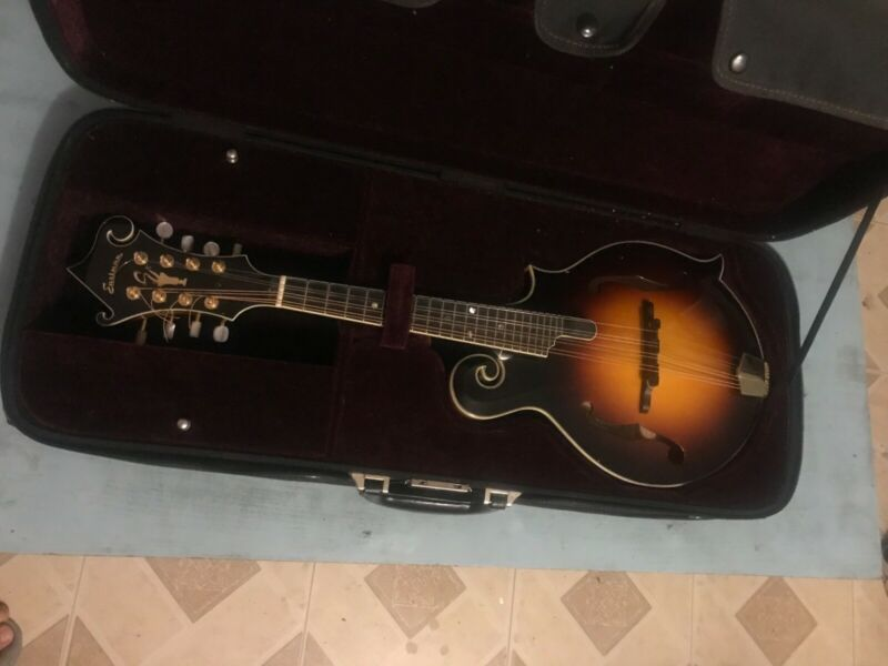 Eastman mandolin MD815