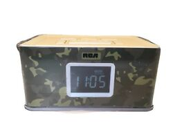RCA Camo Dual Alarm Clock Radio AM/FM with USB Phone Charger Changeable RCR8622