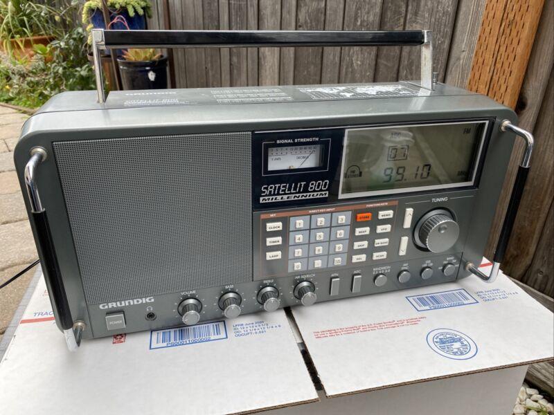 Grundig Satellit 800  AM FM Radio Receiver