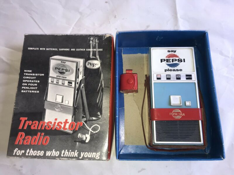 "1964 JAPAN PEPSI MACHINE ""MEET THE BEATLES"" TRANSISTOR RADIO & Case w/ BOX"