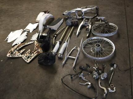 HONDA CR 125 2004 WRECKING PARTS