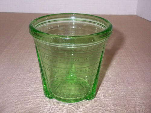 VIDRIO Products 2-cup measuring cup E-30 depression green glass