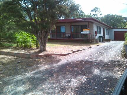 Lakeside family home 4 bed 2 living areas LU garage fenced