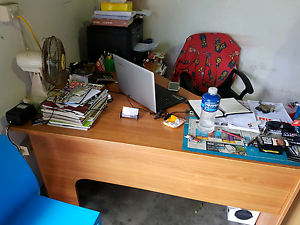 Good office desk Brendale Pine Rivers Area Preview