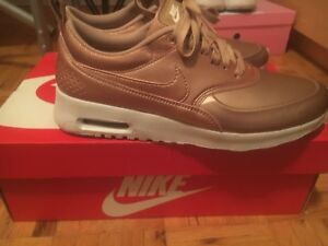 NIKE Air Max Thea's. Bronze and white. Never worn