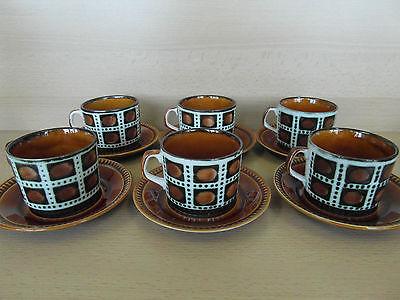 6 tasses à café + sous tasses Bernadette Boch Frères