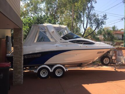 2015 Whittley CR2380 Boat