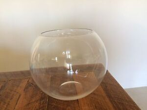 "8"" round gold fish glass bowls Baldivis Rockingham Area Preview"