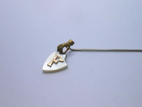 ANTIQUE VICTORIAN HAND HOLDING AN F STICK PIN BROOCH