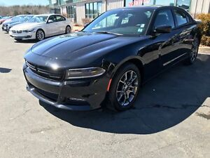 2017 Dodge Charger SXT (SPRING CLEAN UP!)