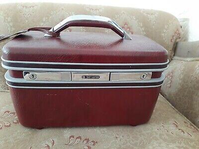 Vintage Samsonite travel Makeup Train Case Hard Luggage  Red  NO Key
