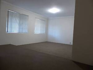 4X2 HOME WITH POOL CLOSE TO SCHOOLS, SHOPS TRANSPORT Leeming Melville Area Preview