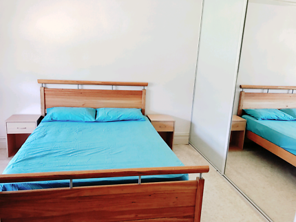 BIG ROOM FOR COUPLE (5 mins walk to Revesby station!)