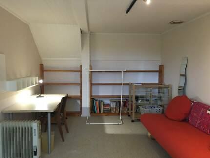 large bed/study room available for rent now!