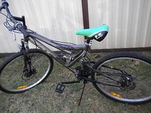 BICYCLE WITH EXTRA TYRE . Wakeley Fairfield Area Preview