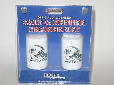 Miami Dolphins Ceramic Salt & Pepper Shaker Set With Team Logo Logo Shaker Set