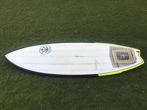 Surfboard 5.6 fish new condition