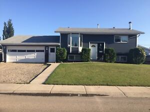 House for Sale - Martensville SK-10min drive into Saskatoon