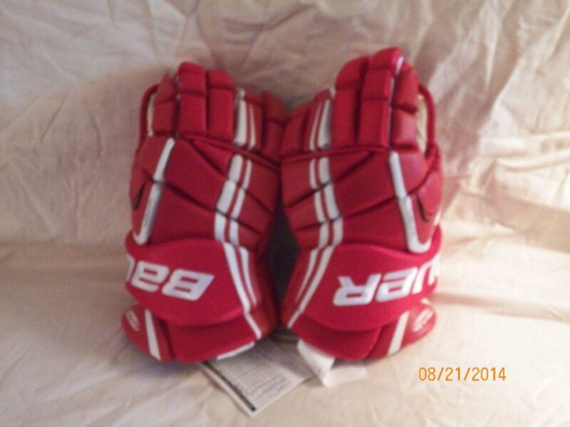 New Bauer Vapor 7.0 Senior hockey gloves