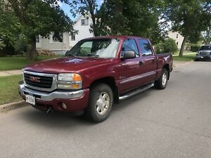 2005 GMC Sierra SLE-AS IS/FOR PARTS