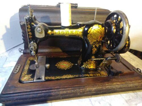 ANTIQUE VINTAGE JONES HAND CRANK SEWING MACHINE in CASE WORKING NICE