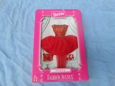 MATTEL 18155-BARBIE DOLL-FASHION AVENUE-RED/GOLD PARTY DRESS-HANDBAG-SHOES-NEW