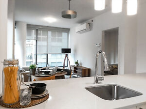 4 1/2 Condo apartment in Montreal Downtown - Financial District