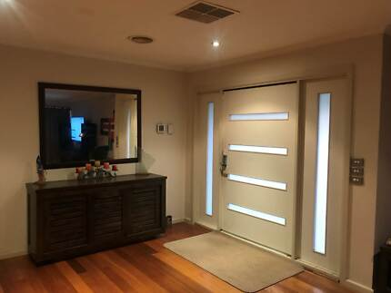 Room for rent in share house Boronia